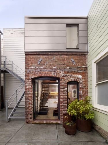 Brick House_2 - front - ghb.pl - mat. budowlane