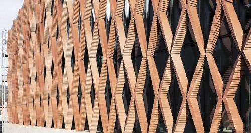 ROBmade - niezwykłe kształty z cegieł z pomocą robota5 - ghb.pl